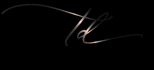 logo - international makeup artist thailand - savourbytina