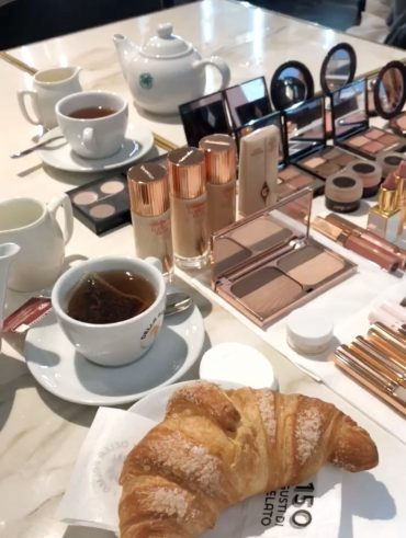 Make up Essentials - Make up Work Station - International Make-up Artist Thailand - savourbytina